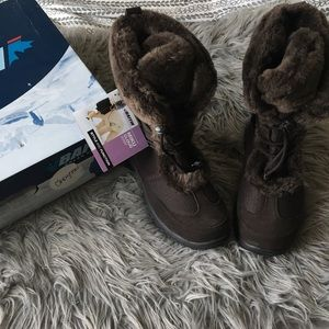 Baffin Brown Snow Boots Size 8
